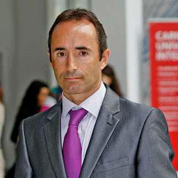 Roberto Bustillo